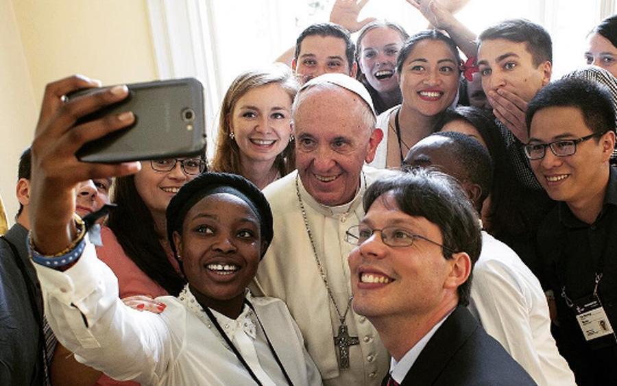 Jóvenes de la JMJ 2016 con el Papa Francisco