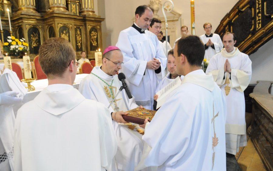 «Camino hacia la identificación con Cristo sacerdote»