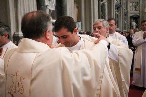 «Dadles vosotros de comer» - Mons. José Rodríguez Carballo, O.F.M., ordena sacerdotes a 37 legionarios de Cristo