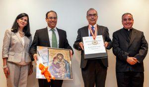 «Un canto a favor de la familia» - Entregan medalla JPII al mérito por la promoción de la vida y la familia