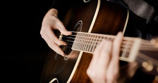 «Ser creativo para vivir la caridad» — Componiendo música para transmitir esperanza durante la pandemia