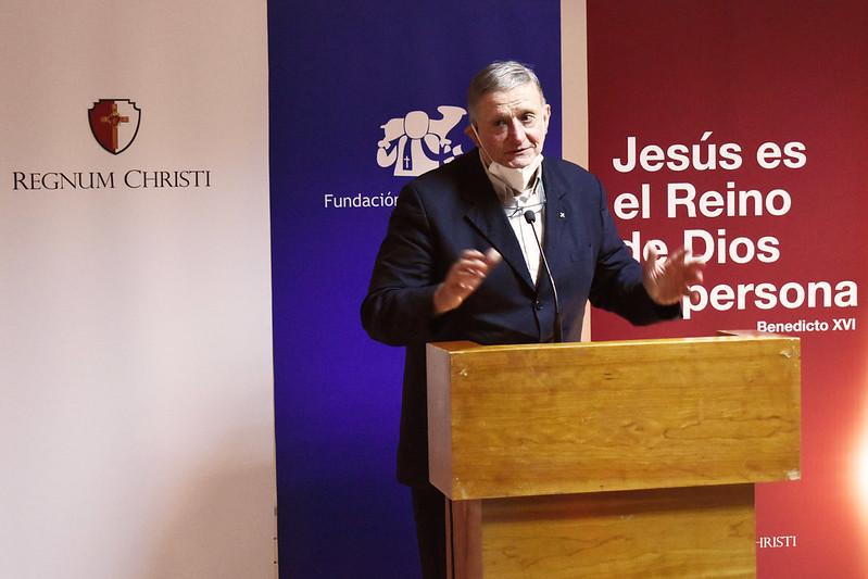 Entrevista al P. José Luis Segovia
