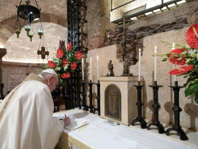 Información sobre la nueva encíclica del Papa Francisco