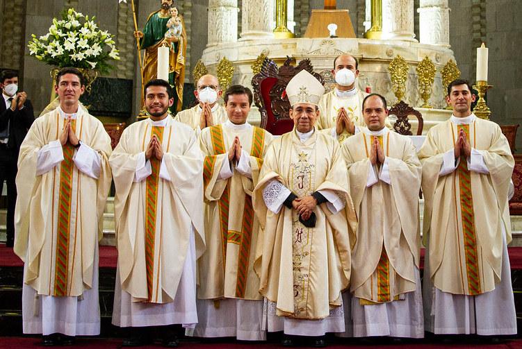 «Sean agentes de unidad y comunión ante una humanidad dividida y polarizada» – Ordenaciones sacerdotales y diaconal en la Ciudad de México